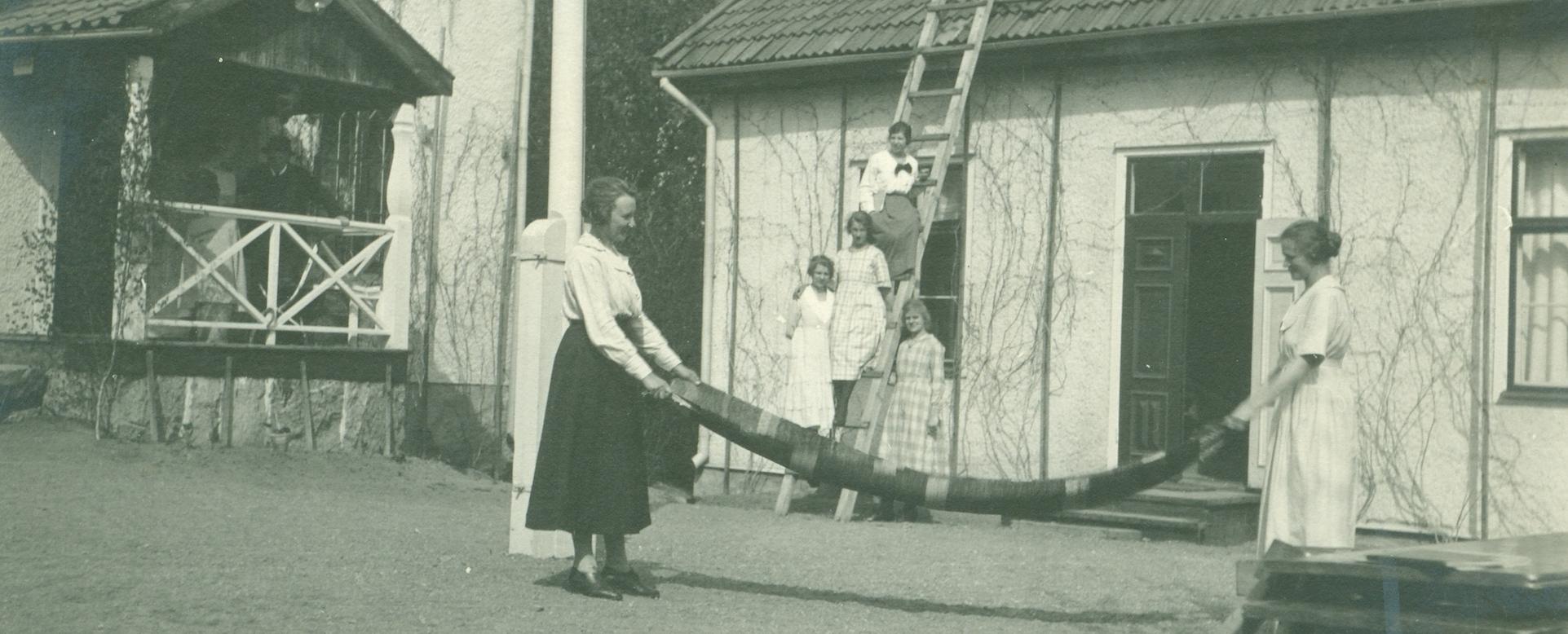 Gruppfoto, från folkhögskolan på 1920-talet